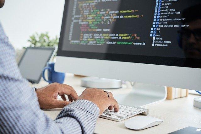 software development 6523979 640 2